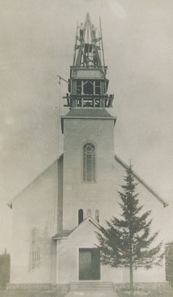 L'Église de Val-David en construction en 1920