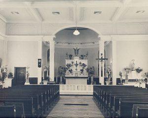 Église Val-David: intérieur vers 1940